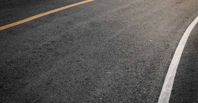 New pavement characteristics to improve truck's fuel consumption