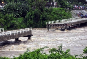 Bridge collapse due to heavy rain in Cuba