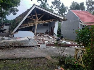 M 6.0 earthquake struck Indonesia: At least 8 casualties