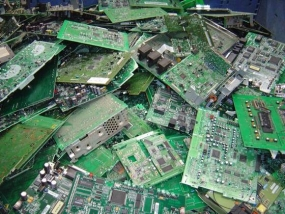 Researchers have developed a new and efficient method of retrieving gold from e-waste
