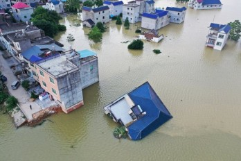 China devastated by extreme rainfalls: Dam destroyed to alleviate flooding