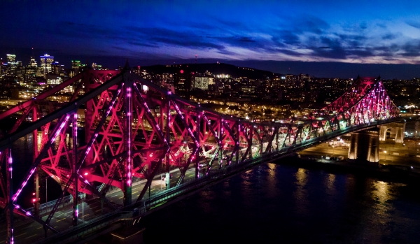 Montreal's interactive bridge changes color depending on weather, traffic and social media activity